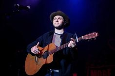 June Niall performing at the 987 AMP Live in Detroit Niall Horan 2017, One Direction Singers, Blonde Guys, James Horan, Johnson And Johnson, June, Amp, Detroit, Stage