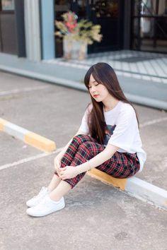 FB: Lucksika Wattanakosai IG:Meijimill Pretty Little Girls, Ulzzang Girl, Korean Fashion, Asian Girl, Bff, Join Facebook, Hipster, Actresses, Portrait