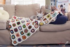 Circle in a Granny Square quilt - MUST CROCHET! from Melissa Jill