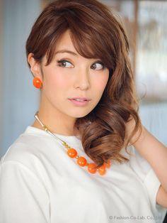 オレンジジュエリーをセットで。ファッションウォーカー フィフス オレンジストーンネックレス・ピアスセット/ Bright color jewelry set on ShopStyle