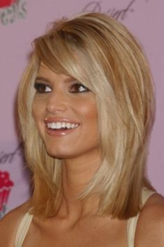 Obsessed with this haircut....except I would keep my long hair and do the layers all the way down. Love her!!