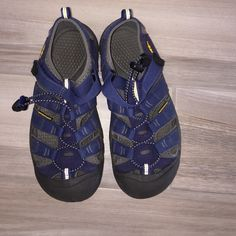 Keen Sandals/water shoes Great condition! So good for all kinds of activities! Marked at a size 5 but they fit basically between a 5 to 8. I'm a size 8 and they fit me snug. Keen Shoes Athletic Shoes