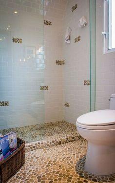 carrelage galet pour votre salle de bain, sol en mosaique leroy merlin