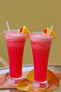 Non-Alcoholic Fruit Punch Recipes Non Alcoholic Fruit Punch, Non Alcoholic Drinks, Cocktail Drinks, Watermelon Cocktail, Red Cocktails, Drinks Alcohol, Diet Drinks, Cocktail Recipes, Cure For Hemorrhoids