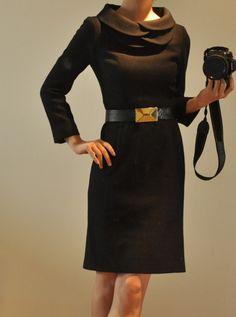 Robes mi-longues, Laine Noire Tiered Pétale col robe manches longues est une création orginale de yystudio sur DaWanda