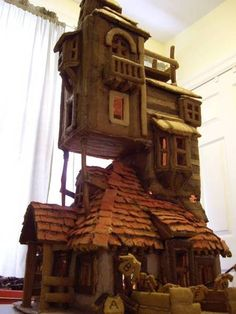 The Burrow from Harry Potter... in gingerbread.