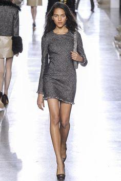 Topshop Unique Fall 2015 Ready-to-Wear Fashion Show -Look Joline Braun Fashion Week, Runway Fashion, Fashion Show, Fashion Design, London Fashion, High Fashion, Women's Fashion, Casual Dresses, Fashion Dresses