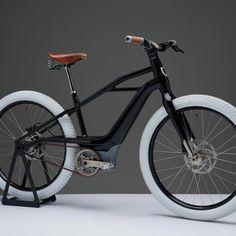 Velo Design, Gq, Persona, Harley Davidson, Bike, France, Sport, Sneakers, Style