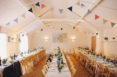English country weddings - photo by LM Weddings http://ruffledblog.com/sweet-wedding-in-the-english-countryside