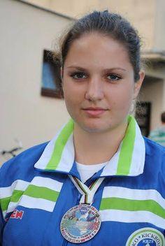 Na evropskem mladinskem prvenstvu v kikboksu je Aleša Bagari je k naslovu svetovne podprvakinje dodala še evropskega.