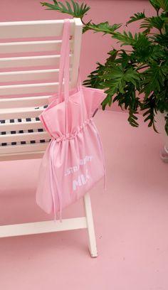 [바보사랑] 패션은 기본 아이템이 제일 중요해요! #가방 #백 #숄더백 #에코백 #핑크 #딸기우유 #bag #shoulderbag #echoback #pink #strawberrymilk