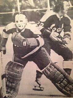 Marv Edwards and Joey Johnston Bruins Hockey, Hockey Goalie, Hockey Teams, Ice Hockey, Field Goal Kicker, Nhl, Hockey Pictures, Goalie Mask, Vancouver Canucks
