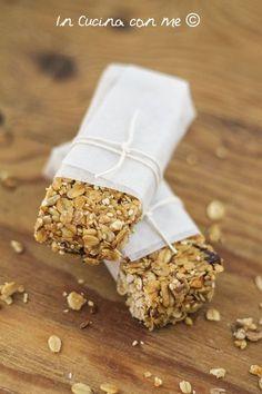 Un pieno di vitalità con le barrette energetiche al muesli e frutta secca, per uno snack leggero, sano e pieno di energia!