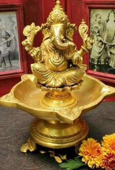 Solid hand-cast brass diya with Ganesha Ganesh Idol, Ganesha, Sri Ganesh, Ethnic Home Decor, Indian Home Decor, Brass Diyas, Pooja Room Door Design, Colorful Rangoli Designs, Puja Room