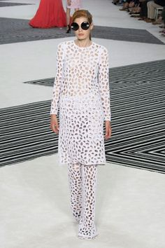 The Best Gowns From Paris Couture Week Fall 2015 - Giambattista Valli Tokyo Fashion, Runway Fashion, High Fashion, Fashion Show, Women's Fashion, Everything Designer, Haute Couture Looks, Best Gowns, Italian Fashion Designers