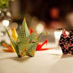 paper crane escort cards, hang from trees outside tent or on table, minimizes the camera theme and incorporates the cranes that will be hanging in the tent. Origami Paper Crane, Origami Bird, Origami Cranes, Origami Wedding, Diy Wedding, Wedding Ideas, Wedding Table, Japanese Wedding Traditions, 1000 Paper Cranes