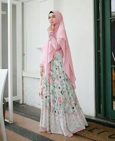 ==Camaattt...ciaanggg😎☀Think positive😍👍===Dress terkiyuuuuuuutttt @mala_hijab Aylaikit😍😍😍🌼🌼🌼💛💛💛===Dont forget to smile 😊�