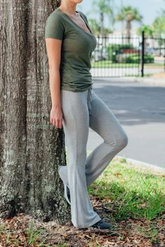 This pant is the perfect combination of versatility and comfort - we'll be wearing this all season long!