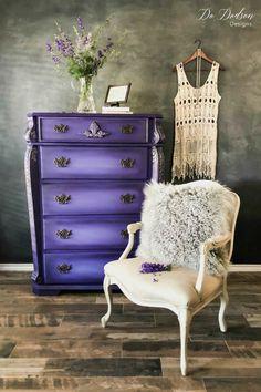 Why I'm Not Scared of Bright Colors on a Statement Piece #dododsondesigns #blackwax #brightcolors #boldcolors #paintedfurniture #furnituremakeover #paintedfurnitureideas
