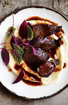 Port-braised beef cheeks and mascarpone polenta. Healthy Meat Recipes, Entree Recipes, Beef Recipes, Cooking Recipes, Recipies, Momofuku Recipes, Slow Cooked Beef Cheeks, Potted Meat Recipe, Donna Hay Recipes