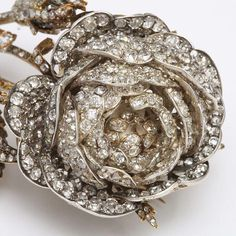 Victorian Diamond brooch in the form of a rose, set in gold and silver. Diamond Brooch, Diamond Jewelry, Gold Jewelry, Fine Jewelry, Gemstone Jewelry, Jewelry Sets, Victorian Jewelry, Antique Jewelry, Vintage Jewelry