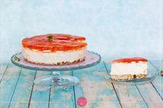 Sernik bananowy na zimno, na owsianym spodzie, z galaretką. #ciasto na cały rok. #przepis #deser Cheesecakes, Vanilla Cake, Cooking Recipes, Chef Recipes, Cheesecake, Cherry Cheesecake Shooters, Recipes