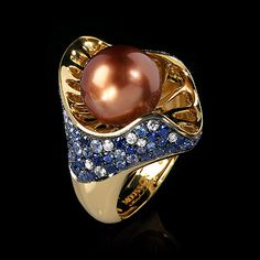 Mousson Atelier, collection Undina, ring, Yellow gold 750, Pearl, Sapphires