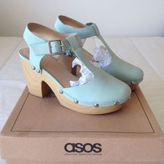 Character Shoes, Clogs, Dance Shoes, Fashion, All About Fashion, High Heels, Shabby Chic, Trends, Clog Sandals