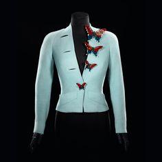 Elsa Schiaparelli jacket with butterfly buttons, Summer 1937 Elsa Schiaparelli, 1930s Fashion, Fashion Moda, Retro Fashion, Vintage Fashion, Retro Mode, Mode Vintage, Vintage Dresses, Vintage Outfits