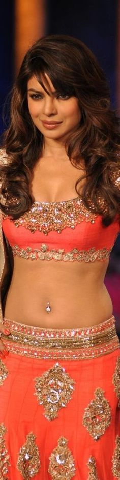 Desi Girl With Navel Ring Is she a actress or just a model?