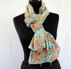 7bf4c696bdfc Echarpe foulard en coton voile vert et ocre, motif fleurs et bordures de  perles