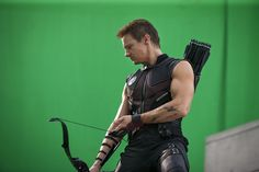 I think I've discussed at length how much I dig Hawkeye. And I do love those arms and hands of his. #FunWithBows *side eye @ @Beth Wade*