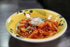 Penne all'arrabbiata Penne, Thai Red Curry, Catering, Shrimp, Meat, Ethnic Recipes, Food, Home, Meal