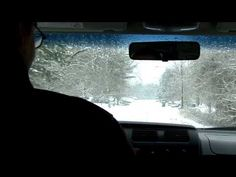 Winter Driving Tips - important if you live in a cold climate or if you plan on travelling to a snowy place Funny Driving Quotes, Driving Memes, Driving Safety, Driving Test Tips, Winter Driving Tips, Car Safety Tips, Driving School, In Case Of Emergency, Winter Travel