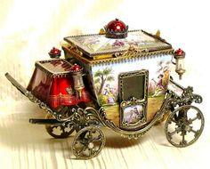 Elaborate music box...gorgeous!