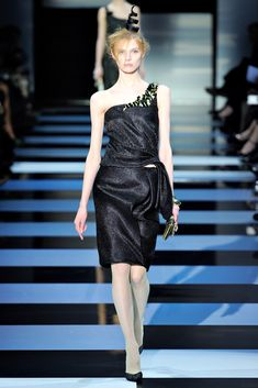 Armani Privé Spring 2012 Couture Collection - Vogue
