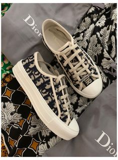 Dior Sneakers, Sneakers Fashion, Fashion Shoes, Sneakers Nike, Jeans Fashion, Dr Shoes, Hype Shoes, Me Too Shoes, Mode Converse