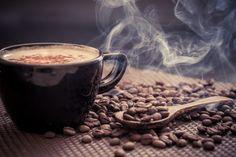 Barista-Kurs Berlin – Kaffeetasse und Bohnen