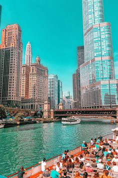 Beautiful Places To Travel, Best Places To Travel, Vacation Places, Dream Vacations, Vacation Spots, Cool Places To Visit, Places To Go, Chicago Riverwalk, Chicago Chicago