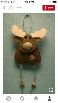 Craft christmas reindeer felt ornaments ideas for 2019 Felt Christmas Decorations, Christmas Crafts For Gifts, Christmas Ornaments To Make, Christmas Sewing, Noel Christmas, Felt Ornaments, Christmas Projects, Reindeer Christmas, Ornaments Ideas