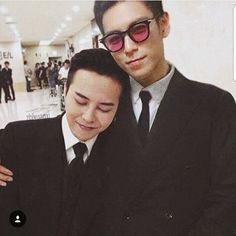 Brotherly love of GD with Top.