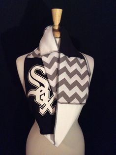 Chicago White Sox Infinity Scarf by poshCreationsCincy on Etsy