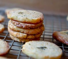 Rosemary Parmesan Crackers via Sis Boom Blog - featured in Foodbuzz's top 9 this morning