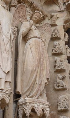 Smiling Angel   Reims, France