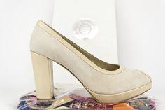 #peeptoe #shoes #zapatos #peeptoes #hechosamano #madrid #madeinspain #handcrafted #fashion #heels #platformpumps #atugusto #atuestilo jorgelarranaga.com