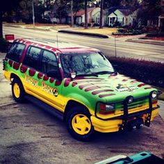 Guy Goes All Out Creating A Real Jurassic Park Ford Explorer