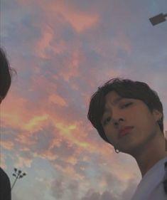 La necesidad de ser populares envuelve a dos jovenes de preparatoria en una extraña situación, Jeon Jungkook y Park Jimin se encontraban en el lugar equivocado a la hora equivocada.