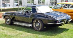 Vintage Cars 1966 Chevrolet Corvette 427 - Top classic American muscle cars from back in the day. Chevy, Dodge, Plymouth and many more. We cover engine power, speed and more. Chevrolet Corvette, Corvette C2, Chevrolet Camaro, Chevy C10, Best Luxury Cars, Best Classic Cars, Pontiac Firebird, Car Travel, American Muscle Cars