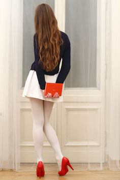 Sweet girl wearing a white mini skirt, white pantyhose and red high heels White Tights, Opaque Tights, White Leggings, Red Tights, White Fur, White Skirts, Mini Skirts, Short Skirts, Orange Clutches