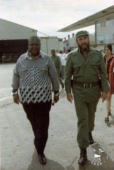 South African History Archive - ZPRA leader Joshua Nkomo with Fidel Castro of Cuba Fidel Castro, Castro Cuba, Story Of Jacob, Cuba Island, Cuba History, Black Leaders, Cuban Art, African History, Military History